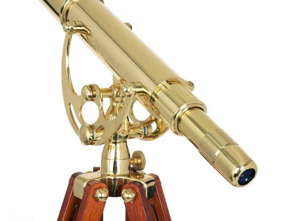 Telescopios clásicos de bronce